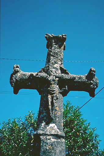fontaine, lavoir, croix de chemin