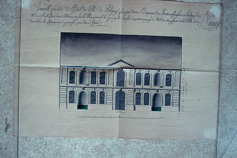 Hôtel de ville, ancien bailliage et anciennes prisons