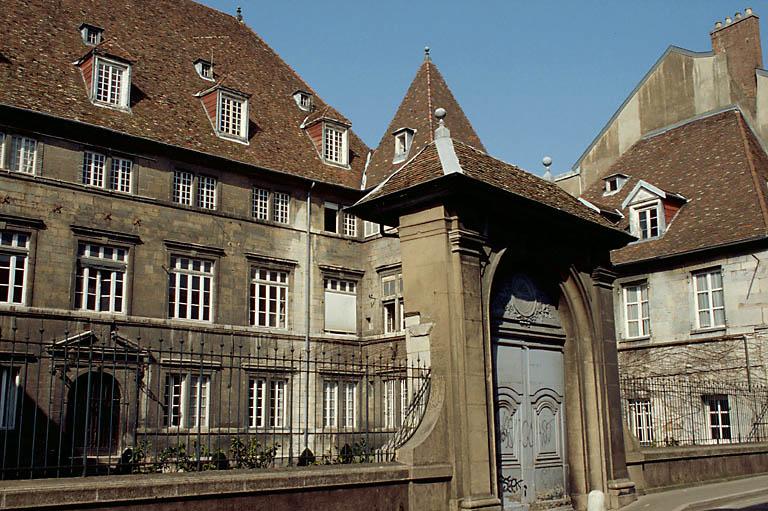 Hôtel de Montmartin (ancien) , annexe de l'hôpital Saint-Jacques