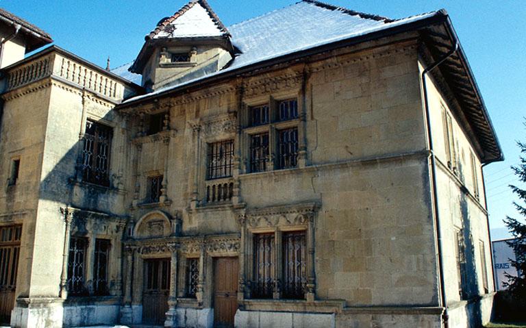 maison Cuche dite Château Pertusier actuellement musée de l'horlogerie du Haut-Doubs