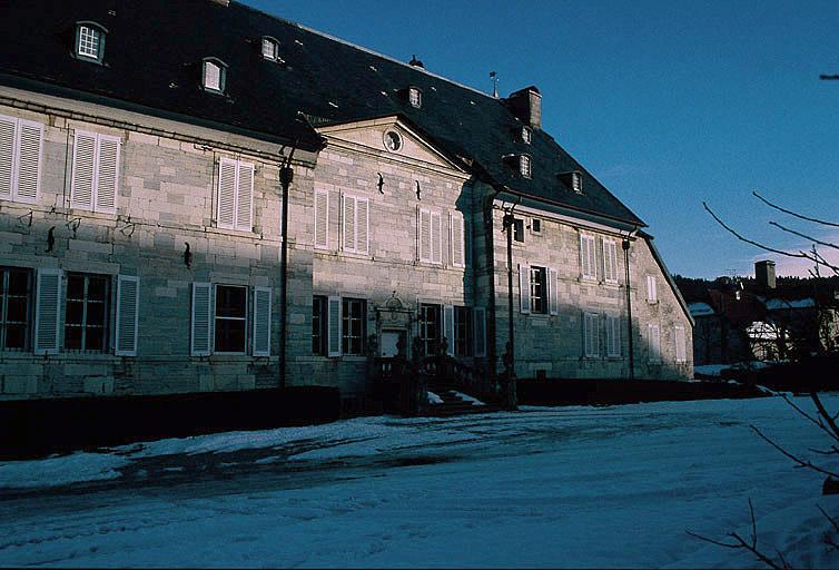 château de Montalembert