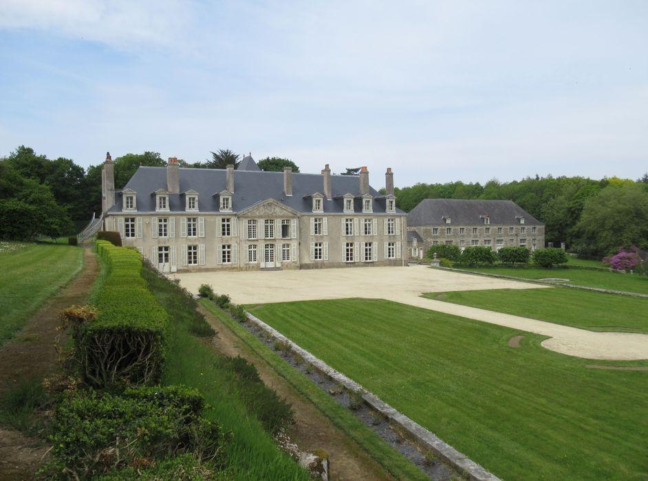 Château de Catuelan: Vue générale depuis le sud-ouest, logis et dépendances