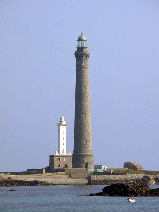 Phares de l'île Vierge: Vue générale sud des deux phares