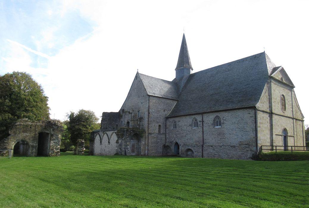 Eglise Saint-Yves: Vue générale sud-ouest