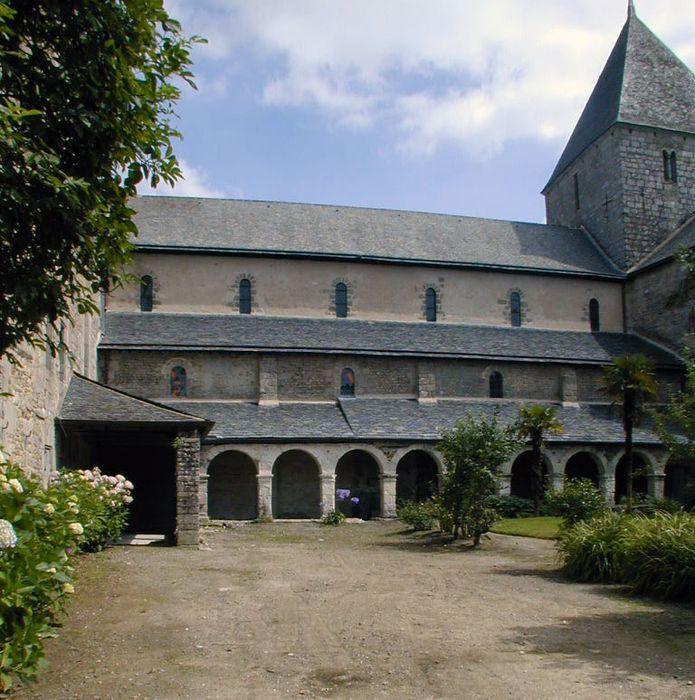 Ancien prieuré de Locmaria, ancienne caserne Emeriau: Vestiges du cloître