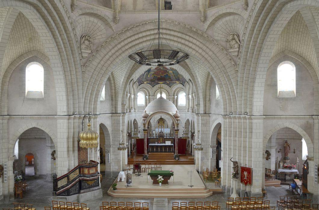 Autel (maître-autel) et ciborium