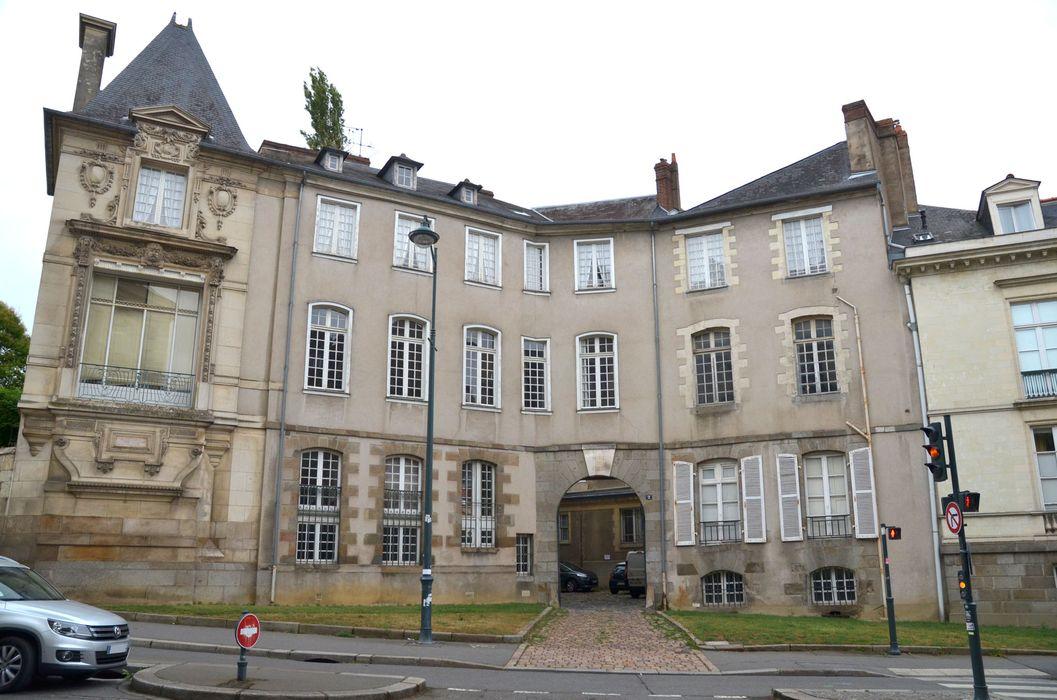 Hôtel de Cuillé: Façade antérieure sur rue