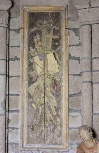 2 panneaux de retable : trophées liturgiques