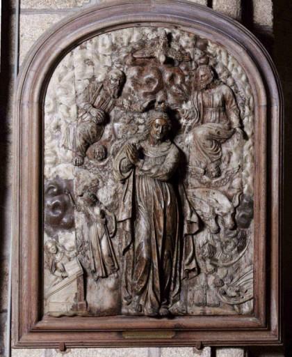 Bas-relief : le Couronnement de la Vierge
