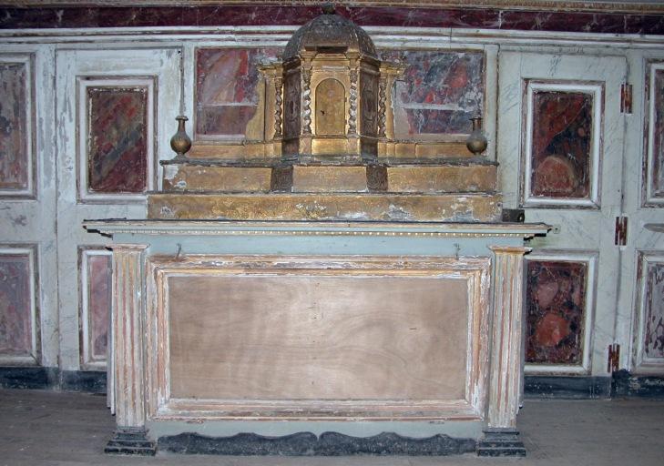 Autel, 2 gradins d'autel, tabernacle (maître-autel)