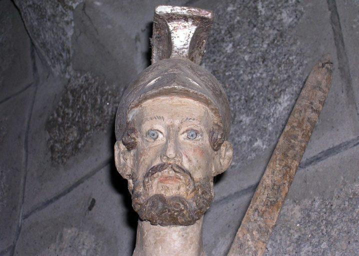 statue de saint légionnaire : saint Maurice ou saint Martin ?