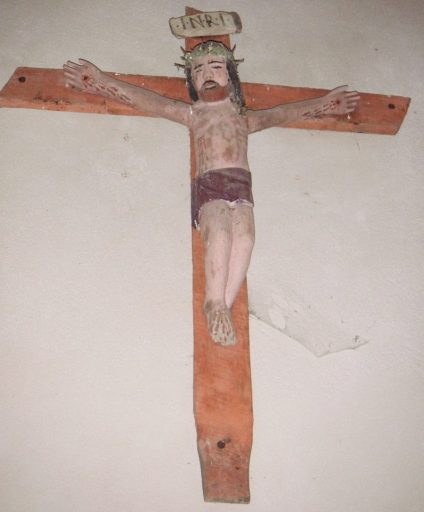 Croix ; statue : Christ en croix