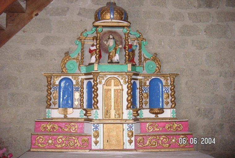 2 gradins d'autel, tabernacle, tabernacle à ailes et exposition, 3 statuettes