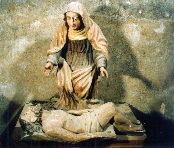 Groupe sculpté non relié : Vierge de Pitié