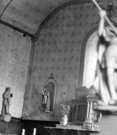 Éléments d'un tabernacle à ailes et exposition