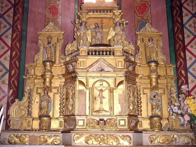 Gradins d'autel, tabernacle à ailes et exposition et ses statuettes