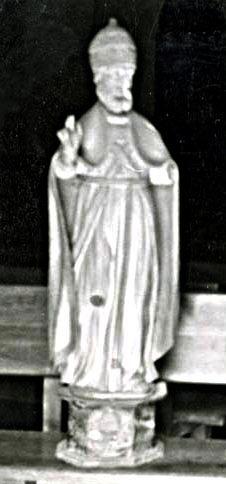 2 statues : saint Pierre pape, saint Eloi