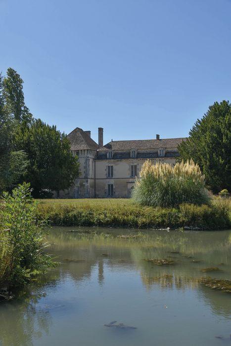 Château: Ensemble ouest, vue partielle