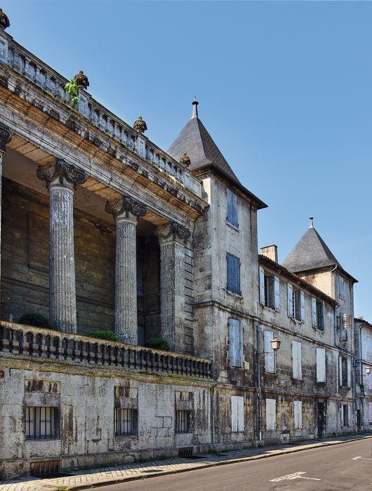 Hôtel de Bardines: Façade sur rue, vue partielle