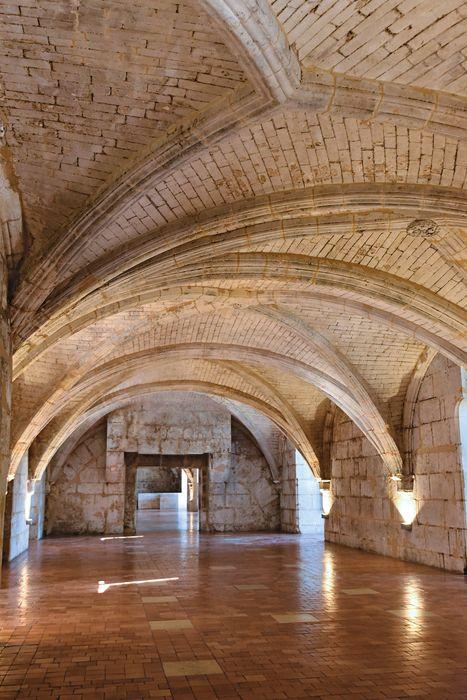 Château de François-Ier: Vue générale d'une des pièces du rez-de-chaussée