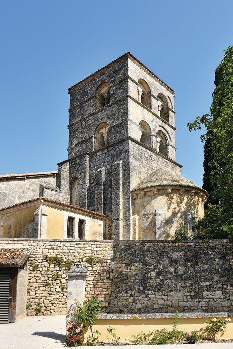 Eglise Saint-Pierre: Clocher, vue partielle