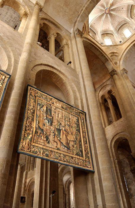 pièce murale : sainte Foy devant Dacien