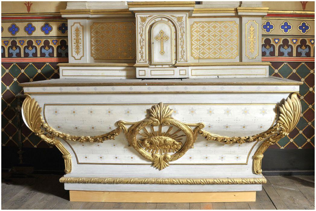 Autel ; gradin d'autel ; tabernacle ; retable