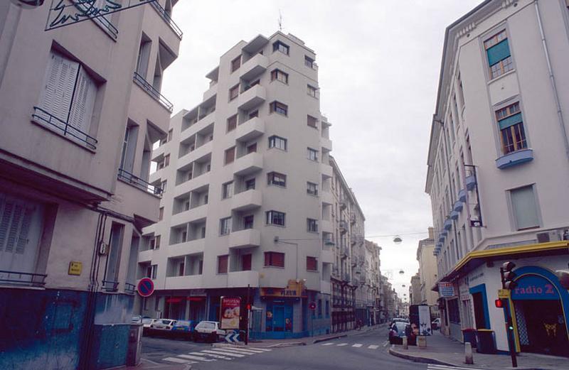Immeuble moderne d'Auguste Bossu
