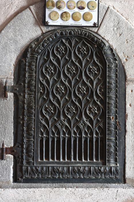 vantail fermant la niche des fonts baptismaux, vue générale