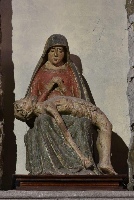 Groupe sculpté (petite nature) : Vierge de Pitié, vue générale
