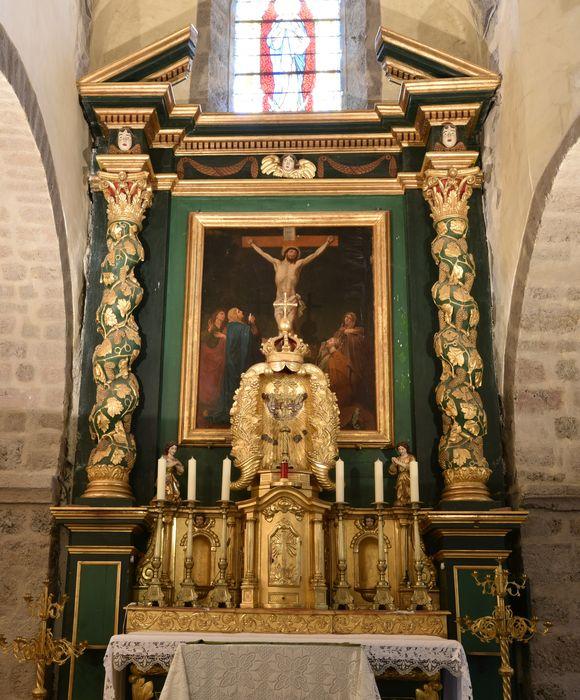 Ensemble du maître-autel (autel, retable, tabernacle).