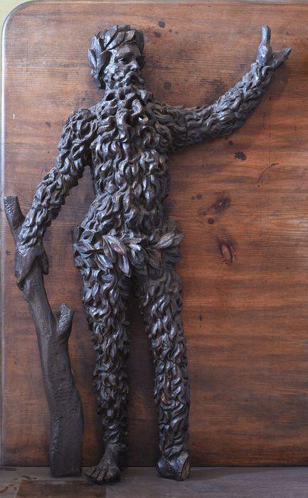 groupe sculpté : homme sauvage armé d'une massue (1), vue générale