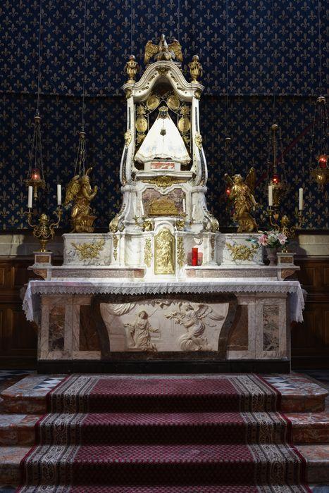 Ensemble du maître-autel (autel, tabernacle).