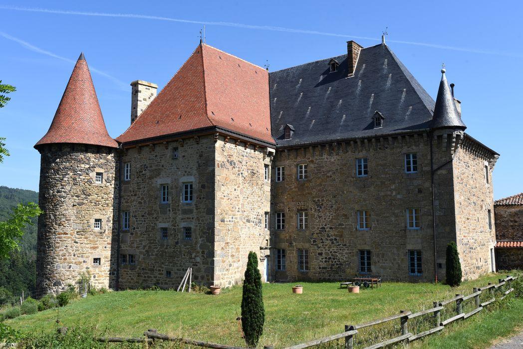 Château de la Beaume: vue générale, ensemble sud