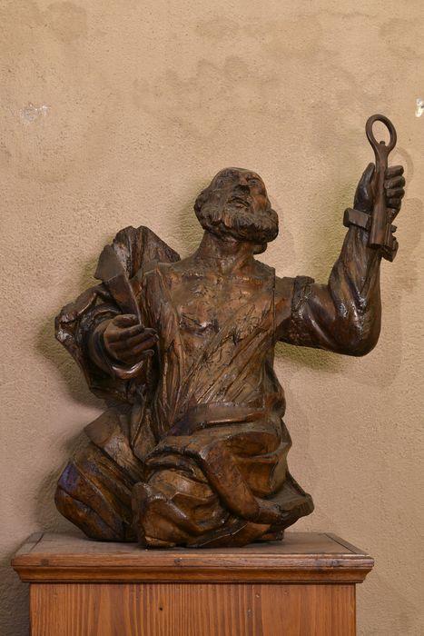 Statue (demi-nature) : saint Pierre, vue générale