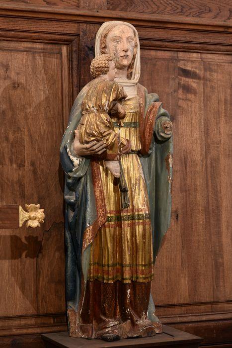Groupe sculpté (demi-nature) : Vierge à l'Enfant, vue générale