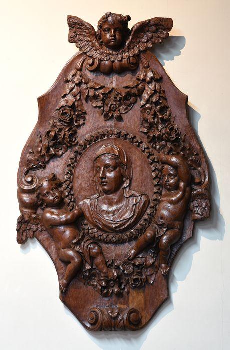 2 sculptures : tête du Christ, tête de la Vierge