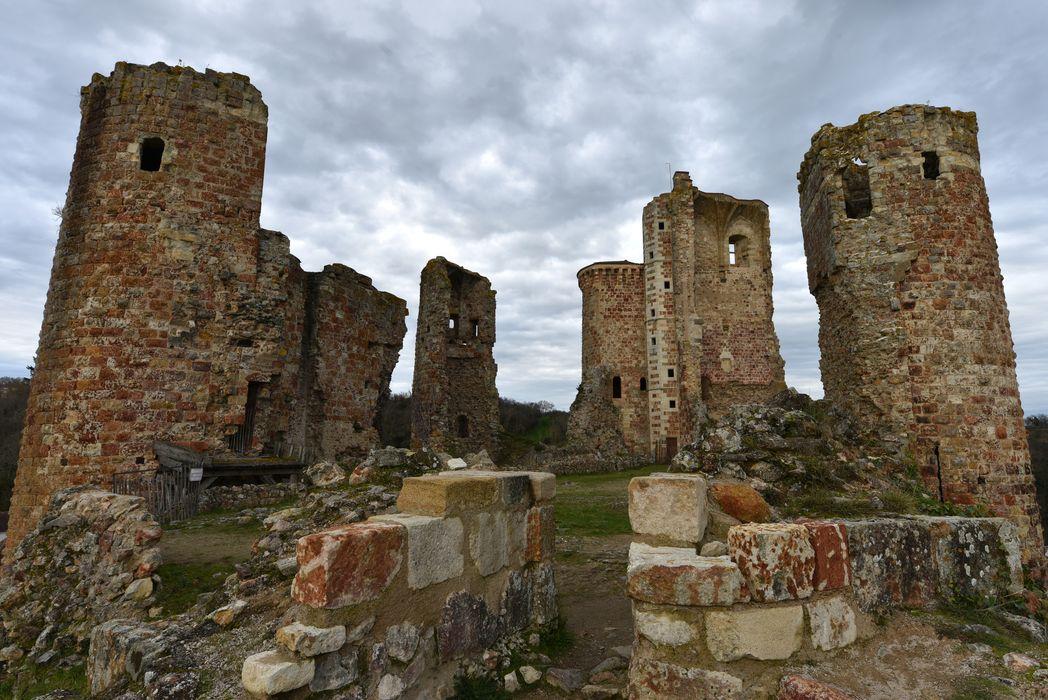 Ruines du château, vue générale