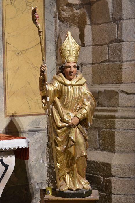 Statue : Père abbé ou évêque ?