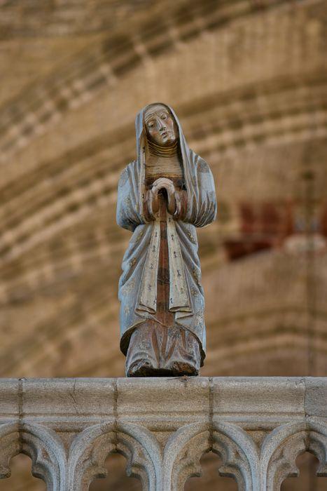 statue (petite nature) : sainte Madeleine ou Vierge, vue générale