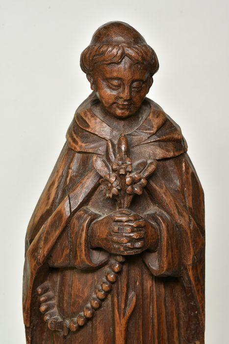 Statue : Moine au bouquet