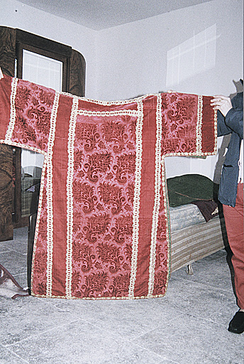 Chasuble, 2 dalmatiques (ornement rouge No 2)
