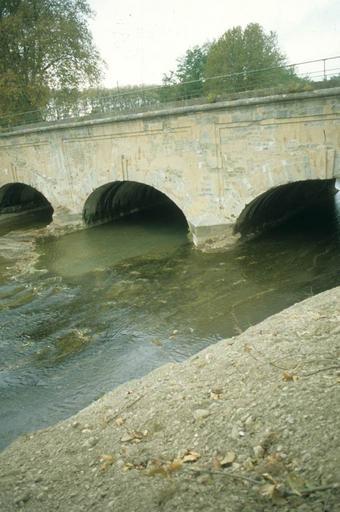 pont;aqueduc de l'Orbiel sur le canal du Midi
