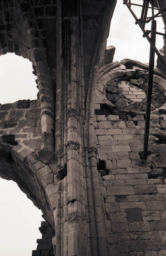 Église Notre-Dame-des-Oubiels (ruines de l'ancienne)
