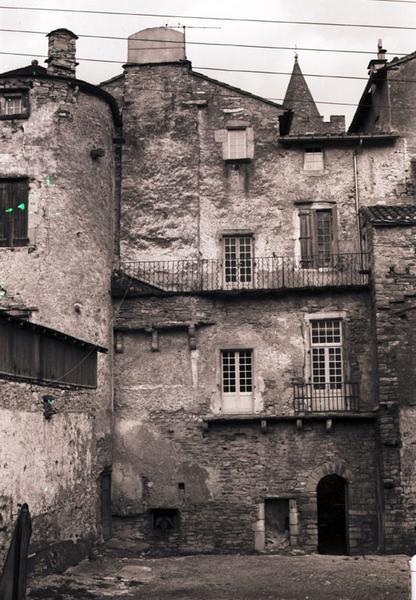 évêché (ancien) ; la Portanelle et la tour Saint-Benoît
