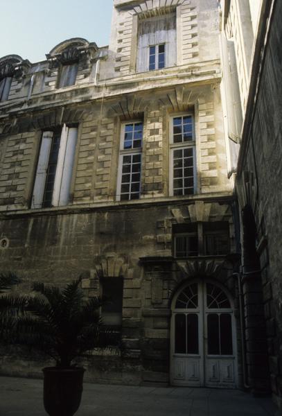 hôtel de Castries