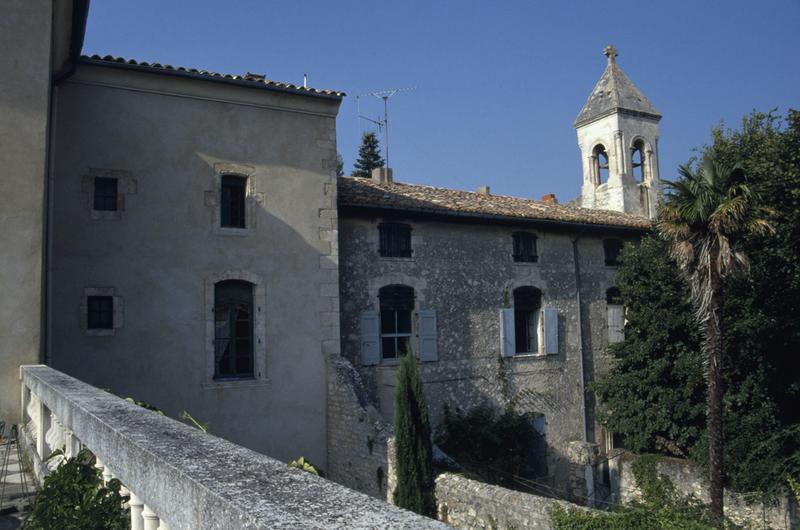 château ; église ; presbytère