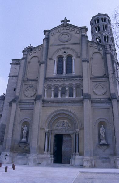 Ancienne cathédrale Saint-Théodorit