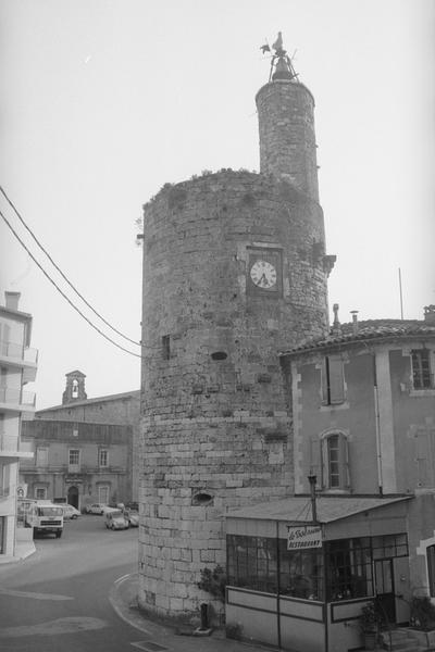 tour de l' Horloge (reste des anciens remparts)