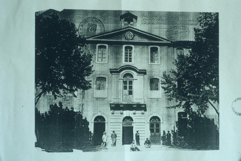 collège (ancien) ; casernes Thoiras